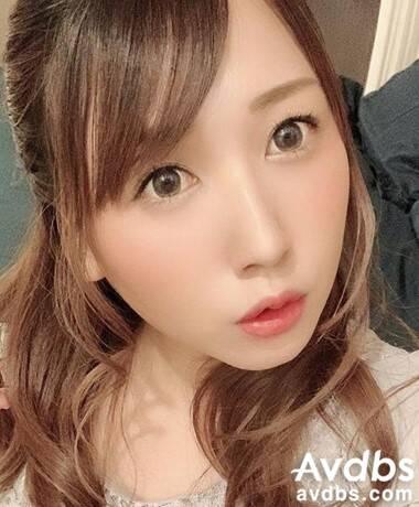 AV 배우 스즈나 카나 사진